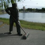 Statue of Dutchman sweeping up