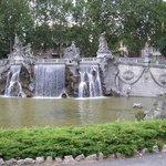 la fontana dei dodici mesi dell'anno.