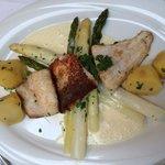 Fischfilets mit Spargel