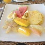 fresh breakfast fruits