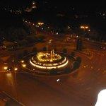 Neptune's Fountain -night