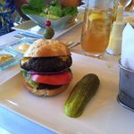 The 3/4 lb hamburger w fries.