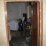 La porta che separa il bagno dalla camera