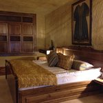 King Bed, beautiful wall piece