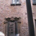Здание Palacio de Berenguer d'Aguilar в котором находится музей Пикассо