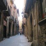 Улица Монкада, на которой расположен Музей Пикассо