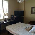 Separate room Suite 12/7th floor