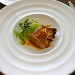 Braised pork belly with apple and celery