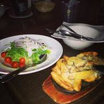 Salad and roast potatoes with Gorgonzola