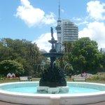 Fontäne & Auckland Turm