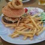 Vinnies special burger