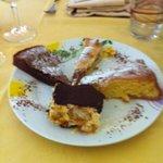 Assaggi dolci: la mitica torta al cioccolato,tiramisu ,torta mele e torta amaretto !