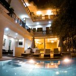 Very nice relaxing poolarea also at night