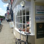 Evelyn Coffee shop and restaurant Hungerford - seating outside at the back!