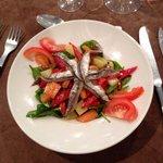 Salade de légumes de saison et anchois de Collioure