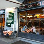 The traditional italian restaurant like in movies!!