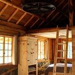 Minam Lodge Guest Cabin - Interior