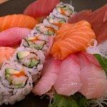 Gemengde sushi schotel