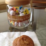 How thoughtful !! Free cookies n fruits at reception and a jar of sweets in the room Nice!!!
