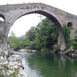 Puente romano.  Cangas de Onis