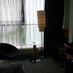 die Lounge im Zimmer