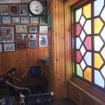 Un endroit où le temps s'arrête car il y  cohabitent plusieurs époques. A visiter.