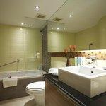 Bandara Suite - bathroom