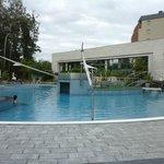 Зона открытых бассейнов