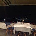 un tavolo sul golfo