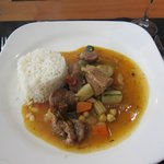 La Rotisserie ・・・メインのラム肉、独特の臭みがあり女性にはきつい感じ