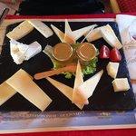 un antipastino di formaggi