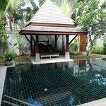 villa pool and sala
