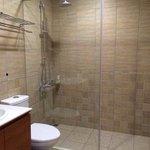 clean washroom with toiletries