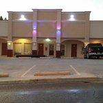 Photo de Advantage Inn & Suites