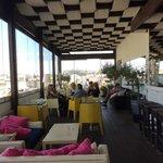 le bar-snack  sur la terrasse