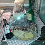 cheese and meat plattern for wines...