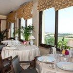 salle de restaurant avec vue