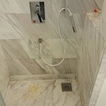 Shower head tubing replace by cheap one which cannot be attached