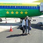 Aeroporto de Foz, no avião da seleção!