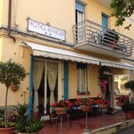 Esterno dell'hotel riviera