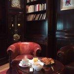 Завтрак) ресторан очень в стиле Лондон)