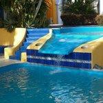 Otro detalle de la zona de piscina