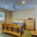 From Luxury Lakefronts with Private patios and view to rustic Honey Moon and Family Cabins For L
