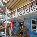 Storefront of Taino Divers