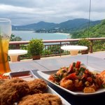 Chili prawn salad (heaps of prawns) and huge prawn cakes, surpassed only by the view!