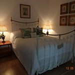 desfeervolle groene slaapkamer
