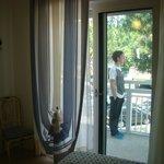 camera con balcone vista piazzetta