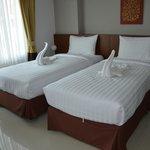 Twin bed (Newish)