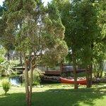 Pequeno lago no parque do hotel