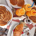 Colazione con pancake e spremuta ::P